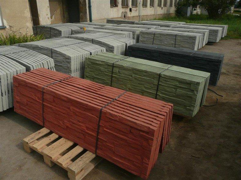 Barevná škála betonových plotů