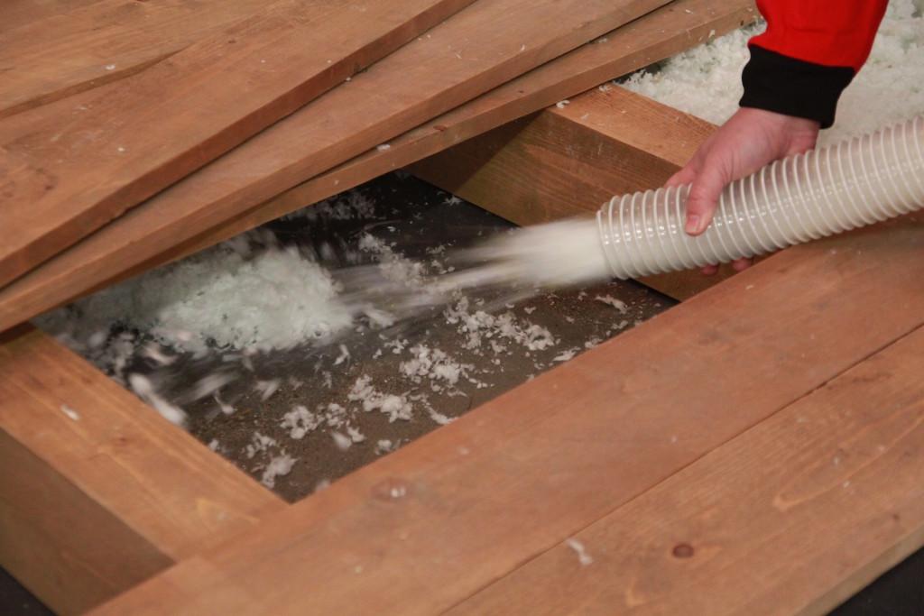 Izolování dutého stropu