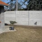 Ozdobný plot z betonu.