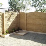 Písková barva betonového plotu.1