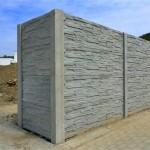 Robustní oplocení betonovým plotem.